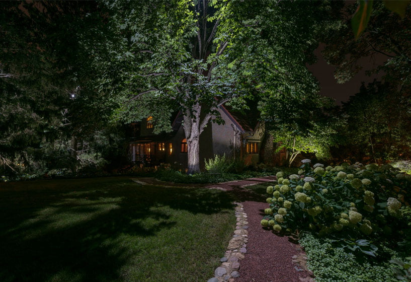 Hinsdale Residence: Lighten Up a Landscape
